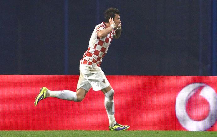 Mandzukic comemora gol da Croácia contra a Islândia (Foto: Agência Reuters)