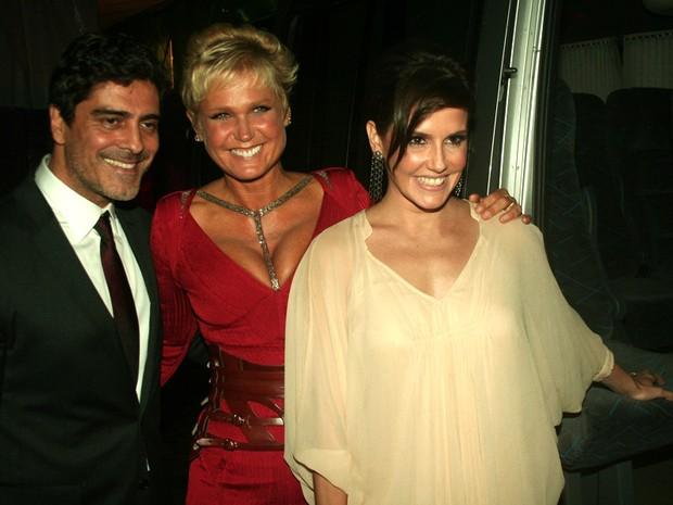 Junno, Xuxa e Deborah Secco em evento em São Paulo (Foto: Celso Tavares/ EGO)