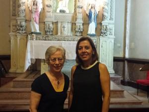 Maria Helena Carvalho e Mônica Regina Leão fazem parte do projeto que ensina português aos sírios (Foto: Thais Pimentel/G1)