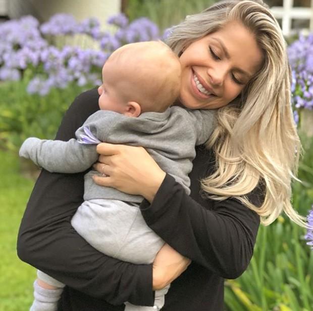 Karina Bacchi com o filho, Enrico (Foto: Reprodução/Instagram)