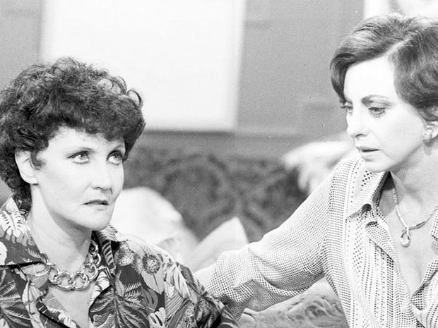 Eugênia Brandão Reis (Monah Delacy) e Norah Brandão (Beatriz Segall)