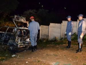 Corpo foi encontrado em carro em chamas em Araxá (Foto:  Willian Tardelli/Divulgação)