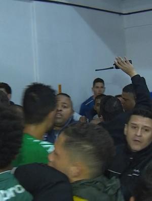 Confusão entre jogadores da Chapecoense e do Cruzeiro (Foto: Reprodução/ Sportv)