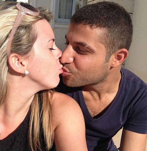 Sophie e Sabri em um dos seus momentos apaixonados (Foto: Reprodução/Instagram)