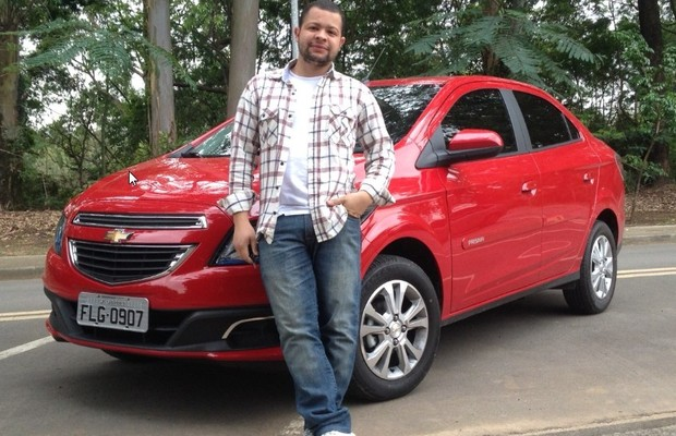 Henrique Ferreira é dono de Chevrolet Prisma 1.4 LTZ  (Foto: Arquivo Pessoal)