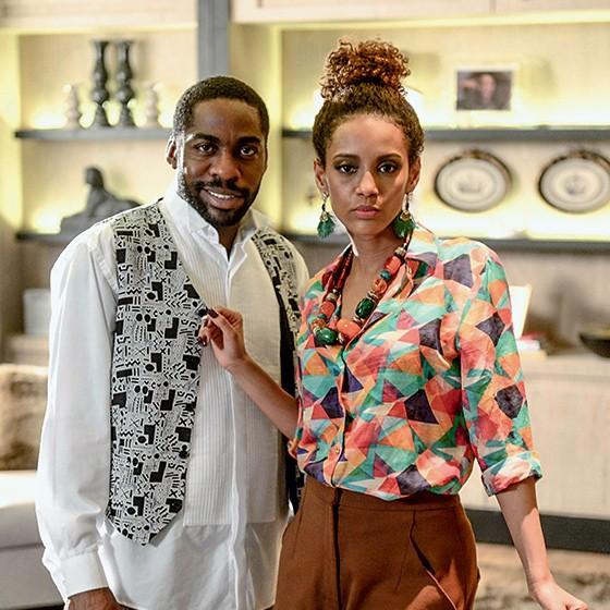 PARCEIROS Taís Araújo e o marido, Lázaro Ramos, como protagonistas da série Mister Brau. Ela não apagou as mensagens racistas, para todos sentirem vergonha (Foto: Renato Rocha Miranda/Globo)