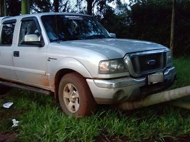 Mesmo com agricultor ferido dentro da caminhonete, irmão e primos conseguiram seguir até o sítio da família (Foto: Valdelino Souza Dourado/Arquivo Pessoal)