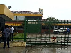 Motim acontece no Pavilhão 8 da Unidade Prisional do Puraquequara (Foto: Foto: Girlene Medeiros/G1 AM)