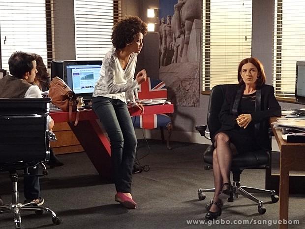 Mari abre o bico e conta todos os podres de Bárbara Ellen para Sueli (Foto: Sangue Bom/TV Globo)
