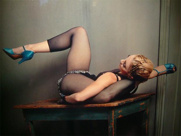 Madonna alongando com toda a naturalidade possível (Foto: Reprodução)