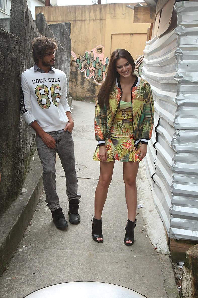 Bruna Marquezine e Marlon Teixeira (Foto: Divulgação)