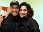 Diogo Nogueira faz show no Rio e recebe famosos no camarim