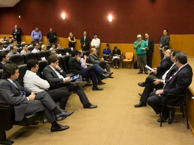 Governo de MT reuniu-se com sindicatos nesta sexta-feira (6). (Foto: Júnior Silgueiro/Gcom-MT)