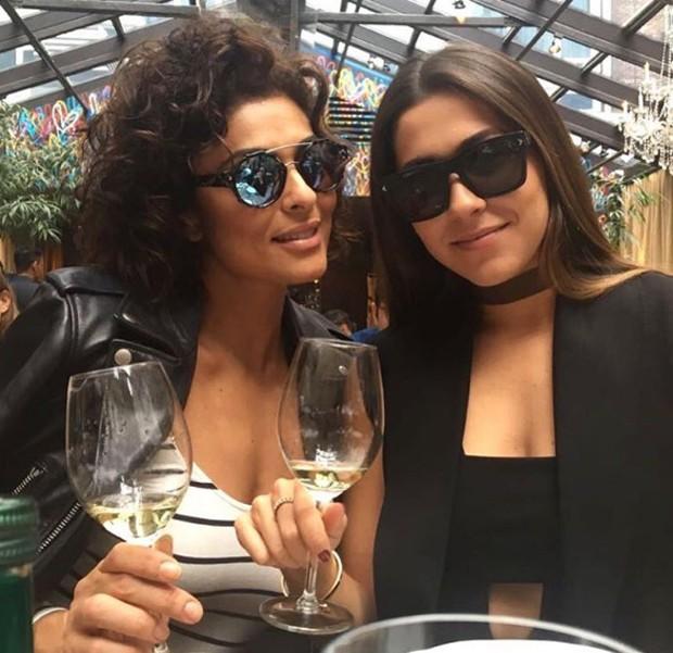 Juliana Paes e amiga em Nova York (Foto: Reprodução / Instagram)