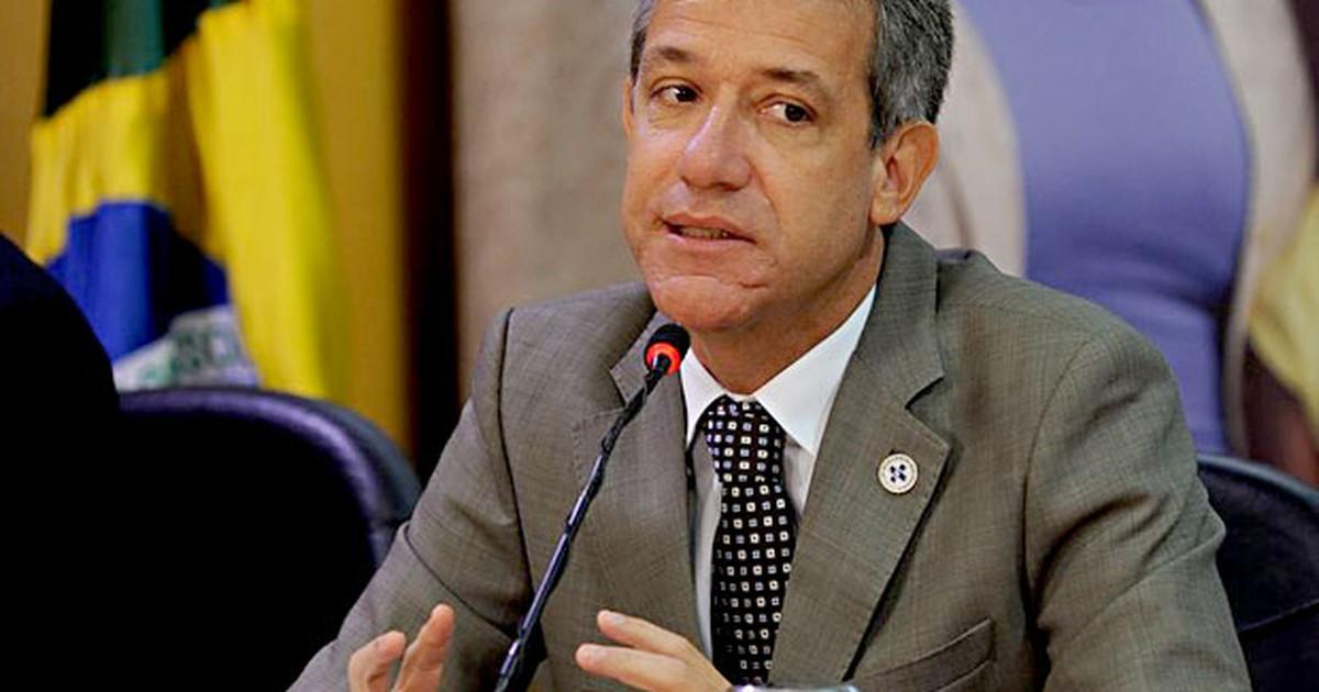Rollemberg assina acordo com ministério para recuperar saúde no DF - Globo.com