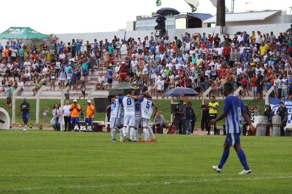 Gigante do Norte deve lotar neste domingo (Foto: Julio Tabile/Sinop FC)