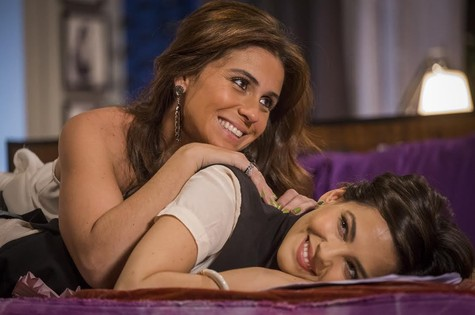 Clara (Giovanna Antonelli) e Marina (Tainá Muller) (Foto: TV Globo)