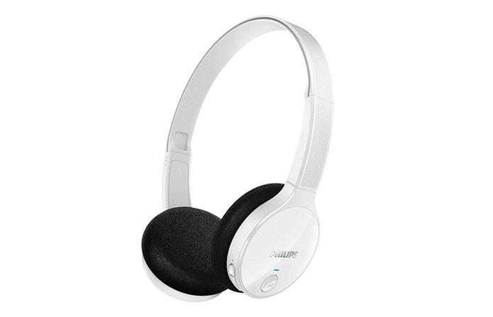 Headset tem microfone embutido, Bluetooth e conchas externas acolchoadas (Foto: Divulgação/Philips)
