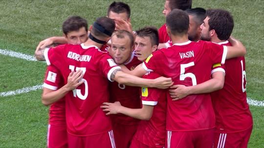 Sob olhares de Putin, São Petersburgo passa no primeiro teste para a Copa