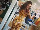 Felina! Viviane Araújo malha com macacão estampado: 'Bora treinar'