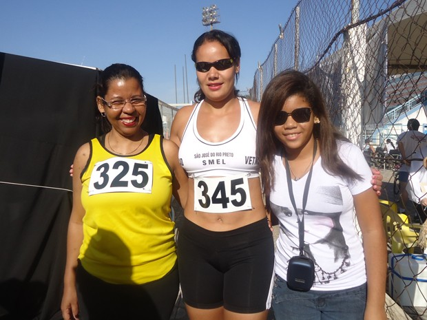 Com a corrida e a caminhada, ela diminuiu as dores no corpo e perdeu medidas (Foto: Arquivo pessoal)