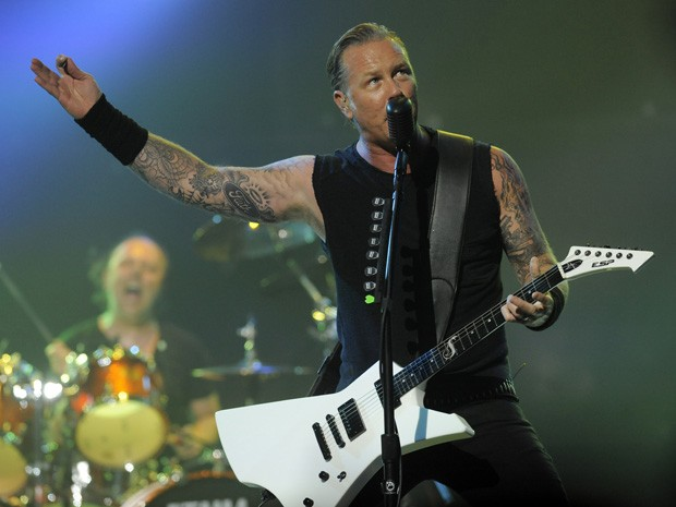 Metallica se apresenta durante a cerimônia do Revolver Golden Gods Award, nesta quinta (2) (Foto: Chris Pizzello/Invision/AP)