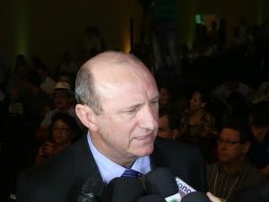 Ministro da Agricultura, Neri Geller durante Circuito Aprosoja em Mato Grosso (Foto: André Rondon)