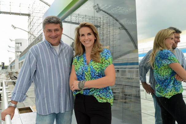 Cléber Machado e Mariana Ferrão, que neste ano estreia na transmissão dos desfiles das escolas de samba de São Paulo, narram os dois dias para todo o Brasil, exceto o para o estado do Rio de Janeiro (Foto: Alex Carvalho/Rede Globo)