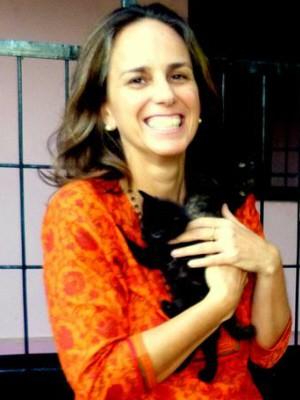 Brasileira cria campanha para ajudar animais maltratados na Índia (Foto: Arquivo Pessoal/Luciana Servulo)