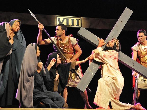 Encenação da Via-Sacra na Canção Nova tem participação de 40 atores.  (Foto: Divulgação / Canção Nova)