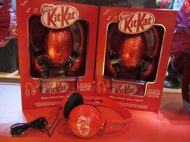 O tradicional Kit Kat da Nestlé vem este ano com fones de ouvido de brinde (Foto: Marta Cavallini/G1)