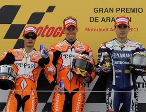 Dani Pedrosa, Casey Stoner e Jorge Lorenzo no GP de Aragón de 2011 da MotoGP (Foto: AFP)