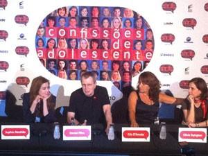 Sophia Abrahão, Daniel Filho, Chris D'Amato e Olivia Byinton durante a coletiva de 'Confissões de adolescente: O filme' em SP (Foto: Letícia Mendes/G1)