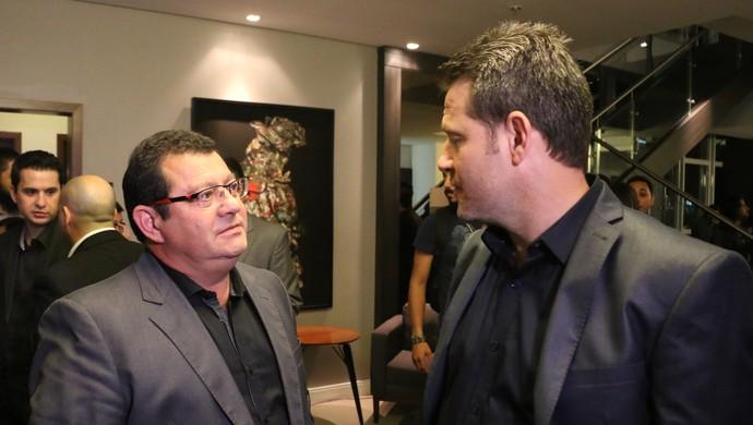 Vice de futebol do Inter Carlos Pellegrini e técnico Argel no Lance de Craque (Foto: Eduardo Deconto/GloboEsporte.com)