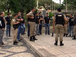 Policiais civis e militares participaram da ação (Foto: Reprodução/TV Integração)