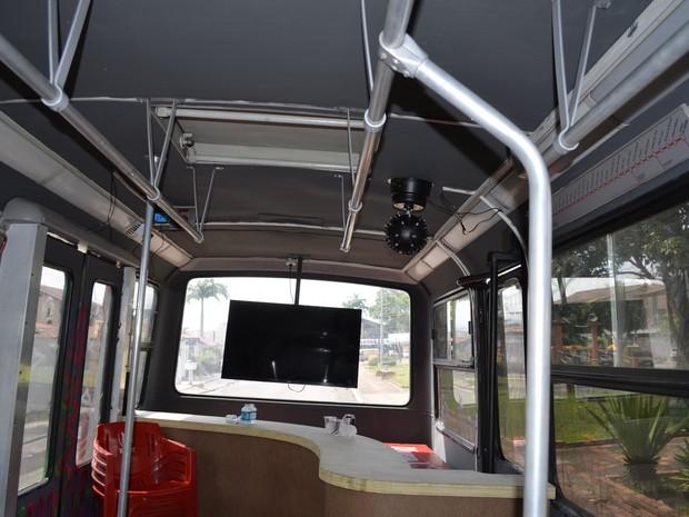 Interior ônibus-balada (Foto: Graziela Miranda/ G1 Amapá)