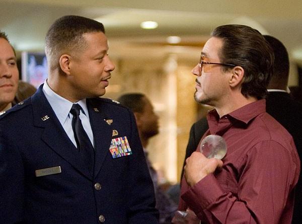 Terrence Howard e Robert Downey, Jr. em 'Homem de Ferro' (Foto: Divulgação)