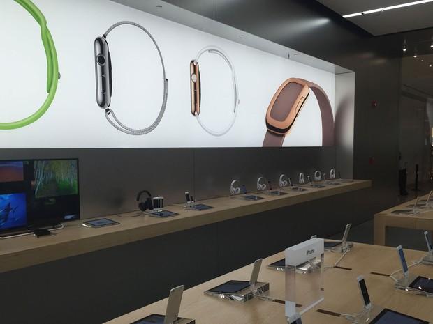 Apple abre no Shopping Morumbi, na Zona Sul de São Paulo, sua nova loja, a segunda da empresa no Brasil. (Foto: Helton Simões Gomes/G1)