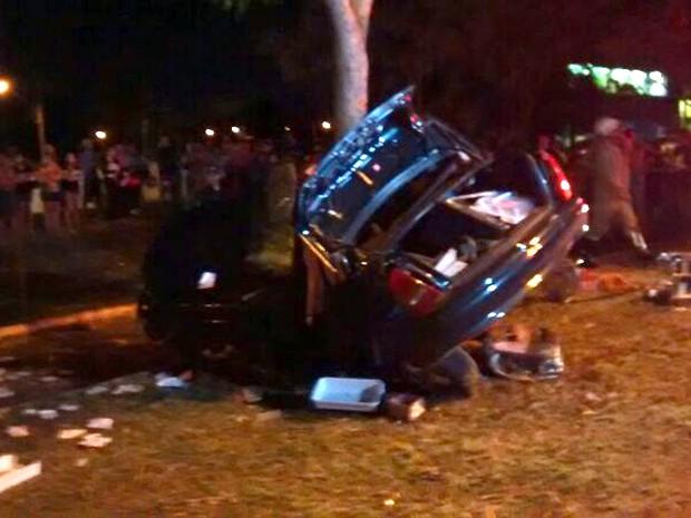 Mulher morre em acidente na avenida Gury Marques em Campo Grande (Foto: Edmar Melo/TV Morena)