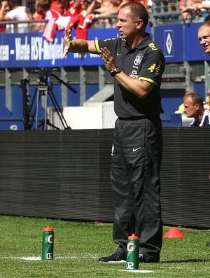 Mano Menezes, Brasil x Dinamarca (Foto: Mowa Press)