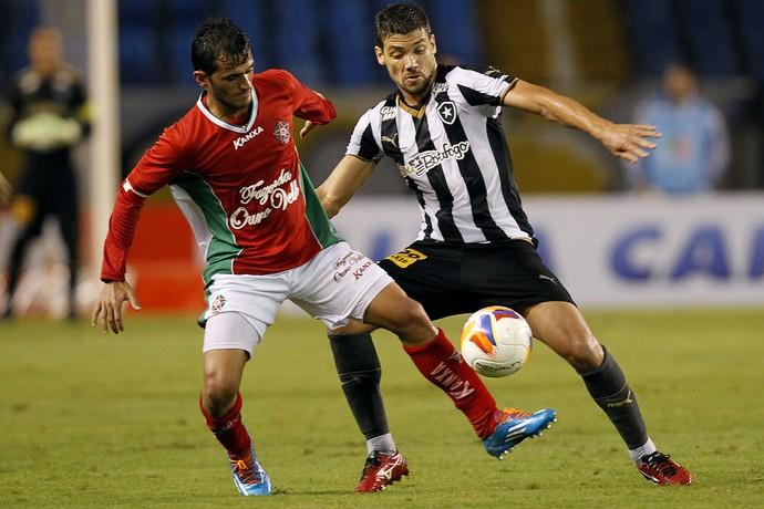 Botafogo x Boa Esporte pelo Campeonato Brasileiro 2015 no estadio Nilton  Santos ( e0c7f6f565011