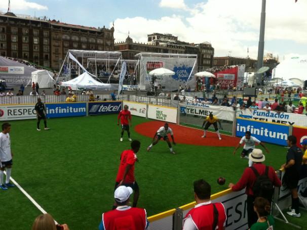 Torneio de Futebol Socvial no México (Foto: Divulgação)
