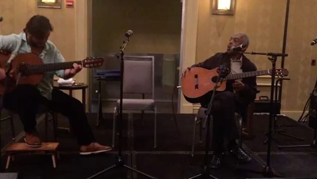Gilberto Gil durante passagem de som com Yamandu Costa (Foto: Reprodução/Instagram)