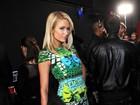 No aniversário de 32 anos de Paris Hilton, relembre 32 looks da patricinha