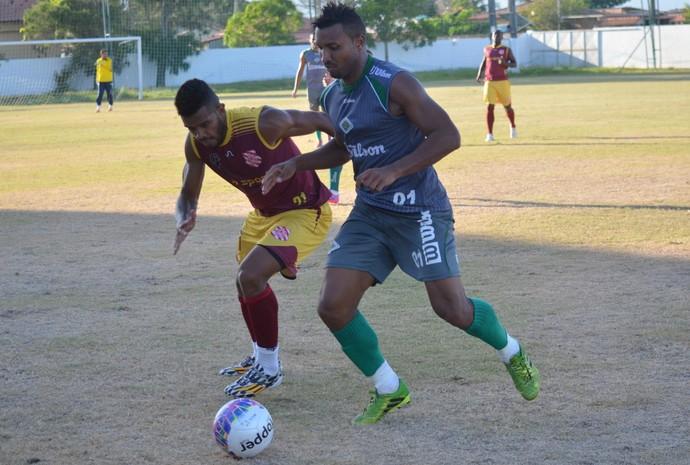 Jones - jogo-treino Cabofriense (Foto: Andreia Maciel/Divulgação)