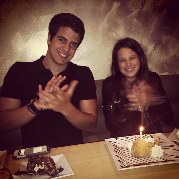 Enzo comemorando aniversário da irmã Sophia (Foto: Instagram / Reprodução)