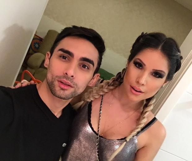 Thyane Dantas com o maquiador Danilo Lee antes da mudança de visual (Foto: Reprodução/Instagram)