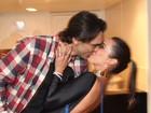 Giba dá beijão na namorada em show da dupla Marcos e Belutti