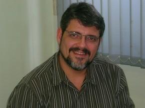 Paulo Cesar Estrela, ex-professor de Felipe Fernandes (Foto: Divulgação) - pauloestrella_291x218