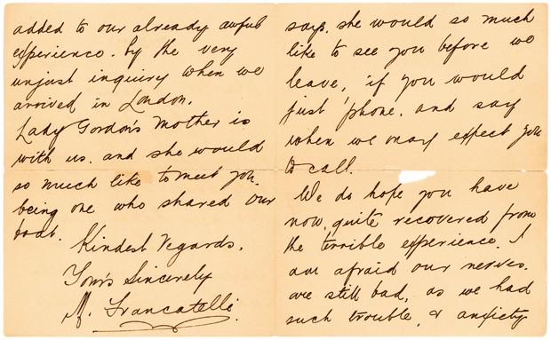 Foto não datada exibe trecho de uma carta escrita por um sobrevivente do naufrágio do Titanic, seis meses após o desastre (Foto: Lion Heart Autographs via AP)
